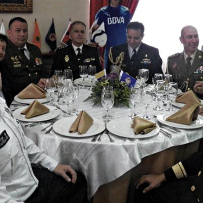 Almuerzo CGA con agregados militares.