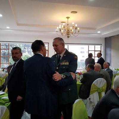 Comandante General de las Fuerzas Militares el señor General Alberto Mejía Ferrero.