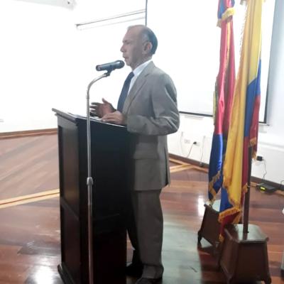 1. Saludo del Presidente del Cuerpo de Generales y Almirantes en retiro, Señor General Héctor Fabio Velasco Chávez.