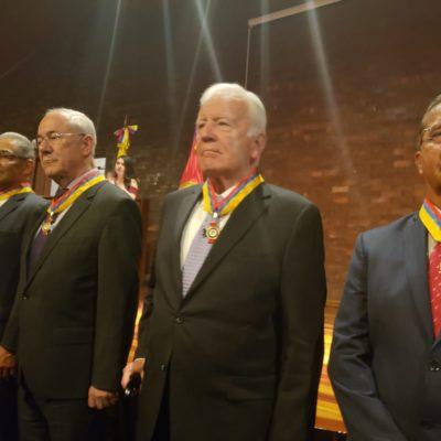 Imposición de la Medalla al Mérito categoría Gran Cruz a:  •General José Manuel Sandoval Belalcázar •General Néstor Ramírez Mejía. •Mayor General Manuel Sanmiguel Buenaventura •Mayor General I.M Fernando Ortiz Polanía