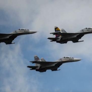 Hay que comprar aviones, Maduro puede atacar, han amenazado con los Sukhoi: excomandante de la FAC